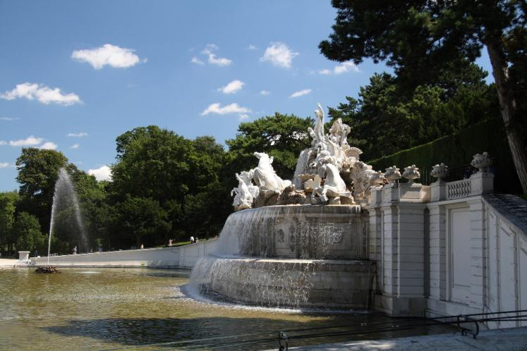 World Travel Photos :: Alexander Epshtein :: Vienne -Schönbrunn - The Neptune Fountain