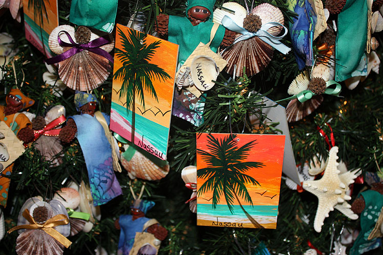 World Travel Photos :: Christmas :: Nassau - a fragment of a Christmas tree