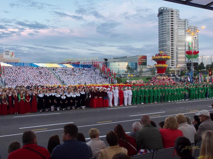 World Travel Photos :: aWa :: Minsk, Belarus - participants of the Independence Day parade
