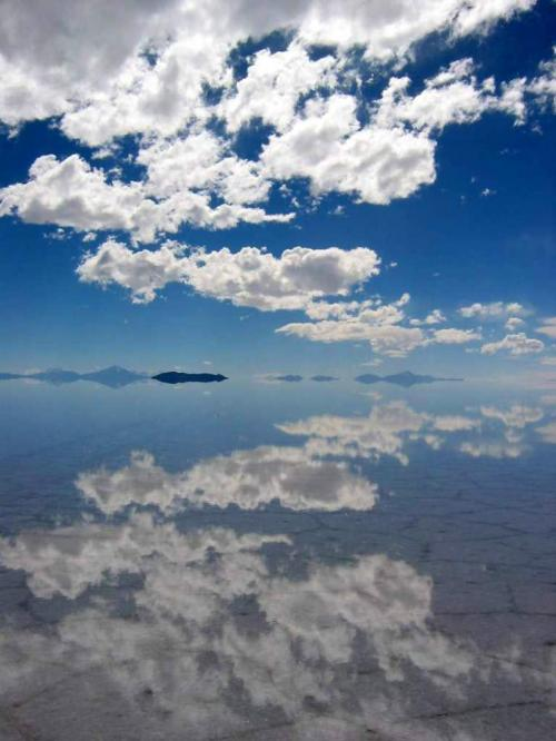 World Travel Photos :: Reflections :: Bolivia. Salar de Uyuni - clouds