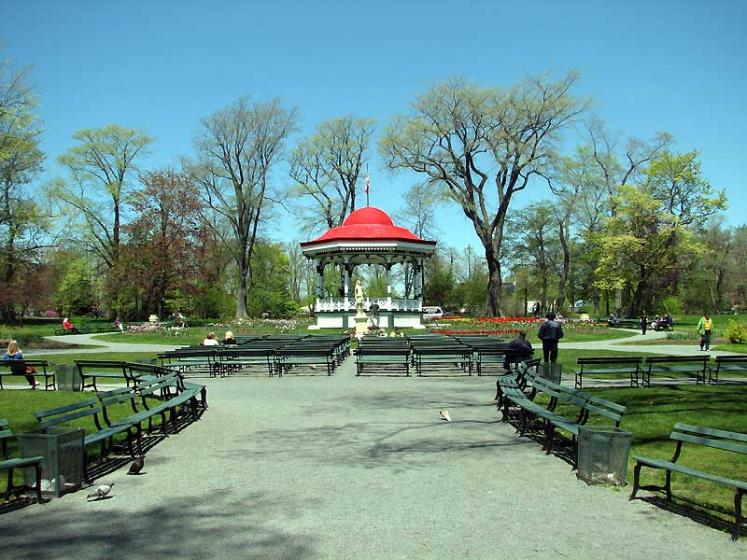 World Travel Photos :: Canada - Nova Scotia - Halifax :: Halifax. Spring in Public Gardens