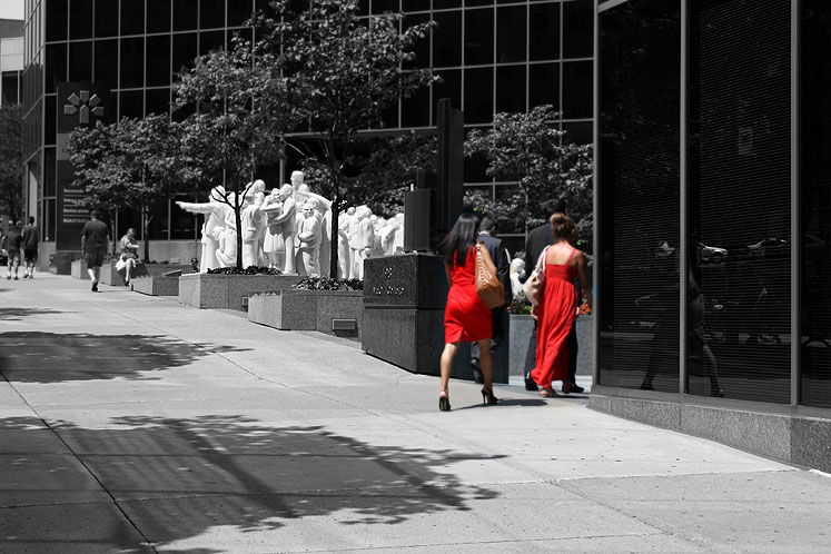 World Travel Photos :: Colors - Rouge :: Montreal - downtown