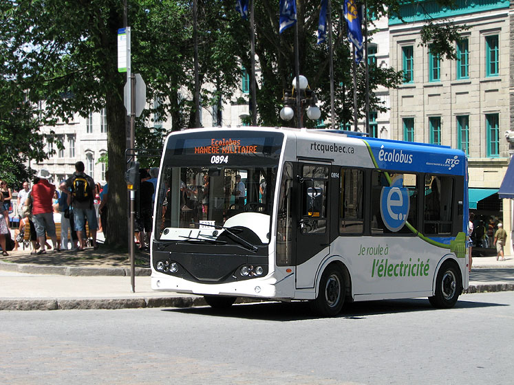 World Travel Photos :: Alec :: An ecological electric bus in Quebec City