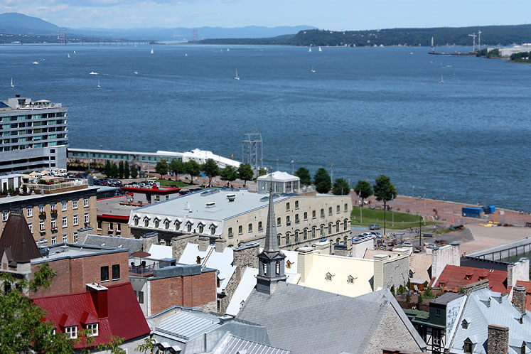 World Travel Photos :: Canada - Quebec - Quebec City :: Quebec City. A view at St. Lawrence River