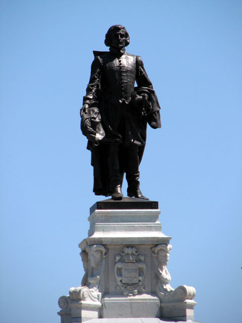 World Travel Photos :: Canada - Quebec - Quebec City :: Quebec City. Statue of Samuel de Champlain