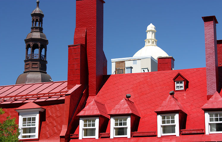 World Travel Photos :: Old City :: Quebec City - red roof