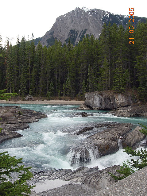 World Travel Photos :: Canada - Rocky Mountains :: Small River in Canadian Rocky Mountains
