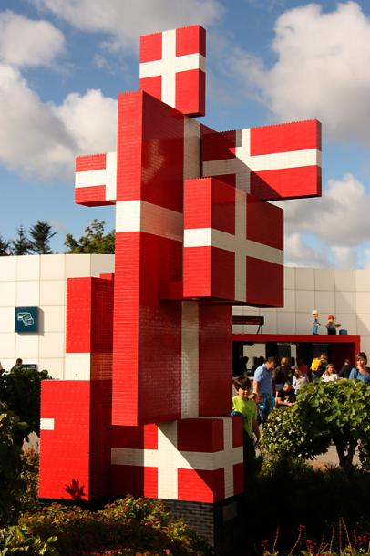 World Travel Photos :: visitor :: Billund. Legoland - a Danish National Flag made of LEGO