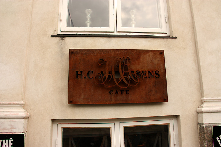 World Travel Photos :: Denmark - Copenhagen :: Copenhagen. H.C. Andersen´s cafe