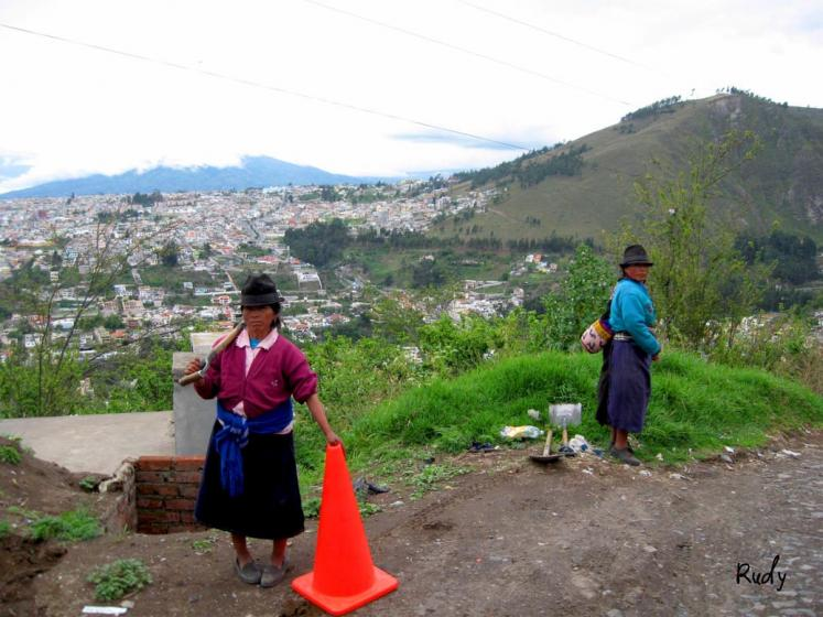 World Travel Photos :: Rudy Chaim :: Ecuador. Working women