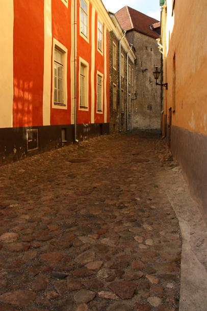 World Travel Photos :: Estonia - Tallinn :: Tallinn. Summer afternoon in the old city
