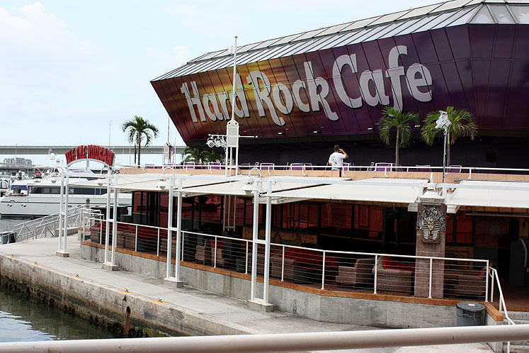World Travel Photos :: USA - Florida - Miami :: Miami. Hard Rock Cafe in downtown