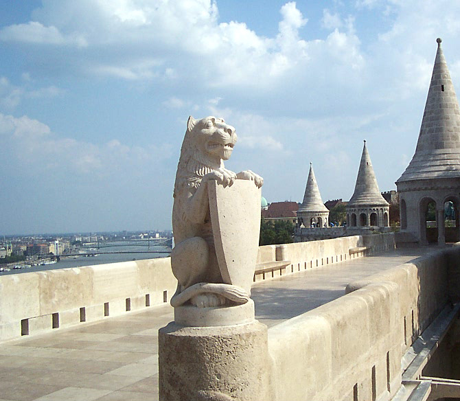 World Travel Photos :: Hungary - Budapest :: Budapest - a lion with a shield