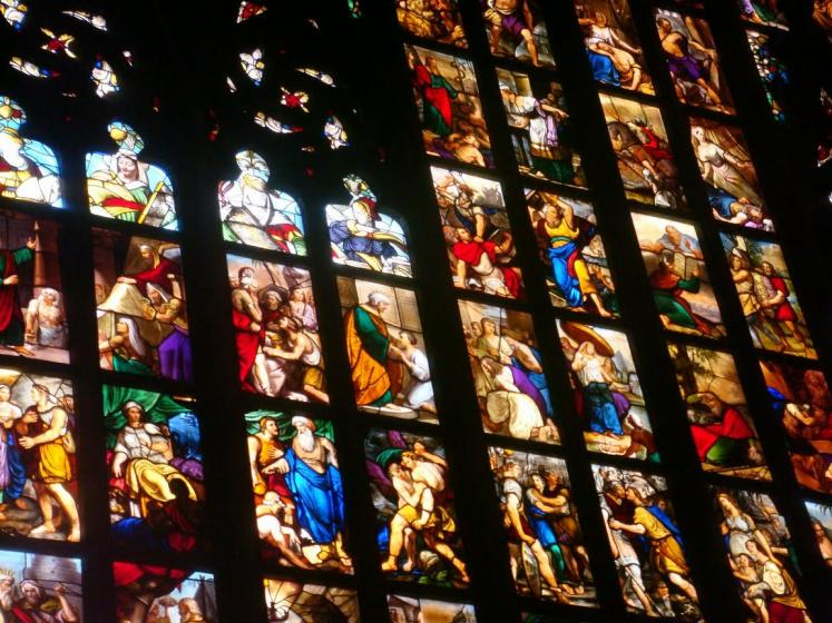 World Travel Photos :: Italy - Milano :: Milan. Splendid stained glass