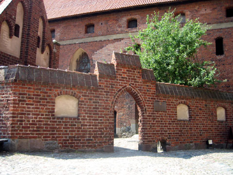 World Travel Photos :: Suzanna :: Main lock  of Malbork Castle