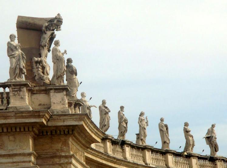 World Travel Photos :: St. Peter´s Cathedral :: Vatican. Statues at St. Peter´s Basilica