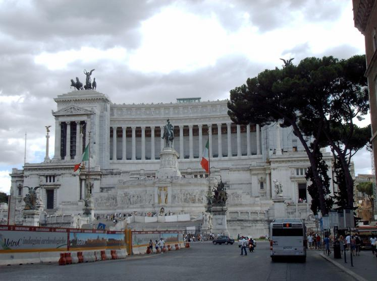 World Travel Photos :: Elena Suhanova :: Rome. Venezian Square