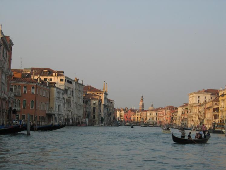 World Travel Photos :: Italy - Venice :: Venica. Canal & gondola