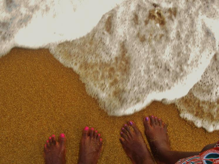 World Travel Photos :: Liberia - Monrovia :: Africa, Liberia - feet on the beach
