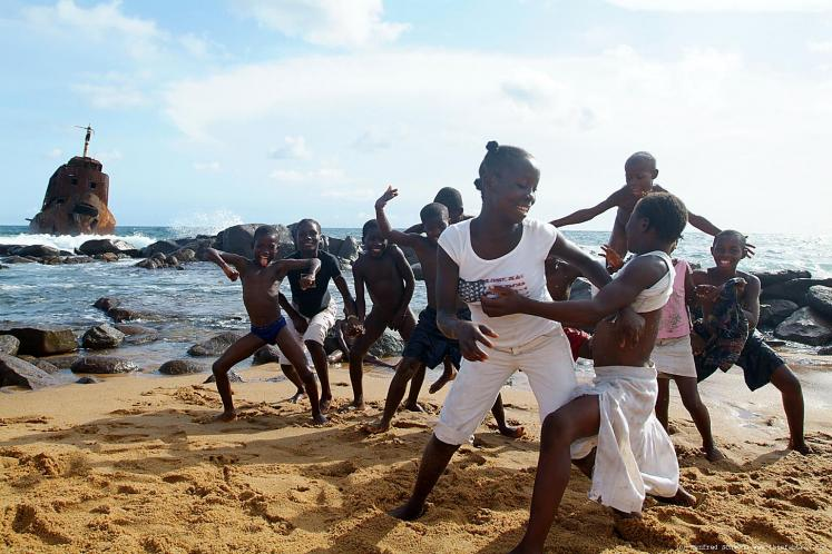 World Travel Photos :: Liberia - Monrovia :: Liberia, Africa - kids on a beach