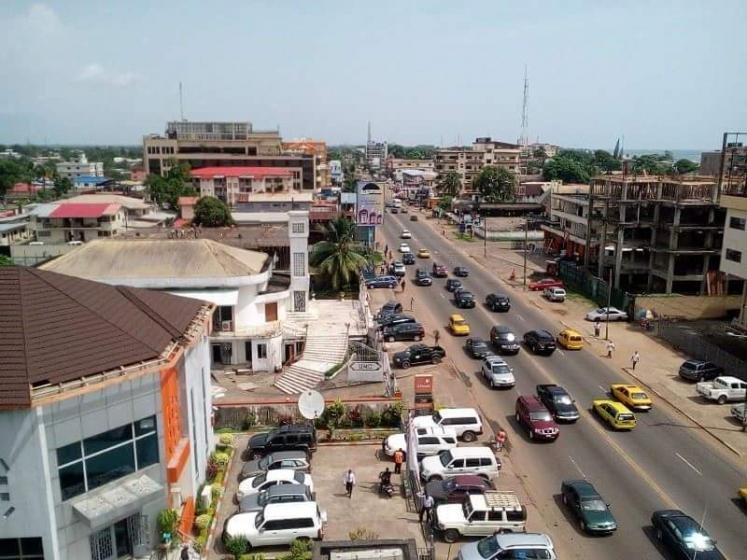 World Travel Photos :: Liberia - Monrovia :: Tubman Blvd. Sinkor. Monrovia Liberia