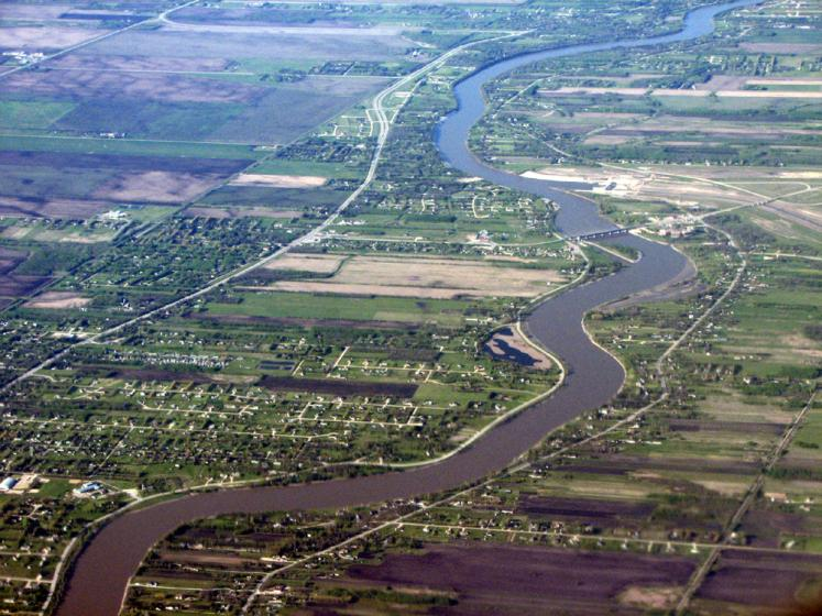 World Travel Photos :: Aerial views :: Winnipeg - view from the airplane
