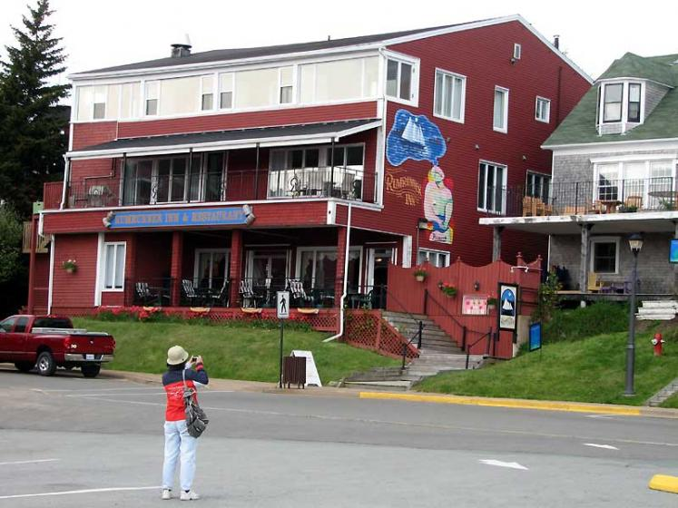 World Travel Photos :: Canada - Nova Scotia - Lunenburg :: Lunenburg. Local restaurant