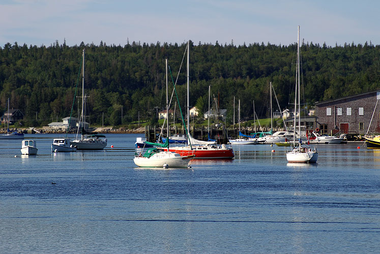 World Travel Photos :: Canada - Nova Scotia - Misc :: Nova Scotia. Boats in a harbor