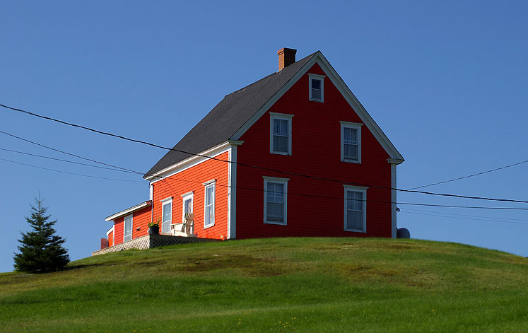 World Travel Photos :: Canada - Nova Scotia - Misc :: Nova Scotia. Red house on the hill