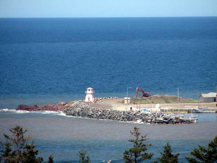 World Travel Photos :: Lighthouses :: Nova Scotia. Sunrise trail - a little lighthouse