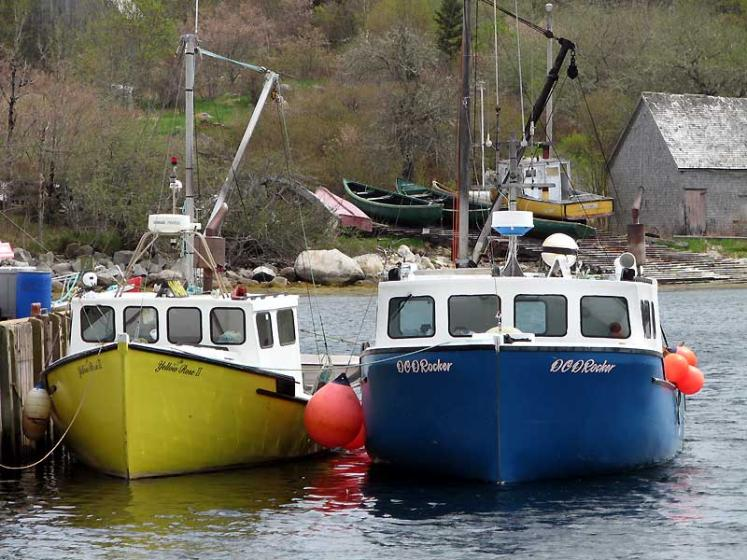World Travel Photos :: Canada - Nova Scotia - Misc :: Nova Scotia. Two boats