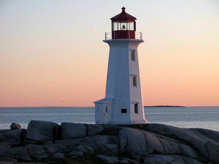 World Travel Photos :: Lighthouses :: Peggy´s Cove  - pink sky