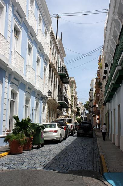 World Travel Photos :: Puerto-Rico - San Juan :: Puerto-Rico.A long narrow street of old  San Juan