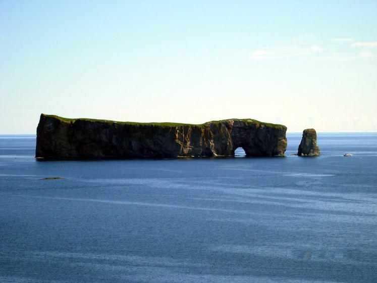 World Travel Photos :: The most beautiful natural spots :: Quebec. Percé Rock
