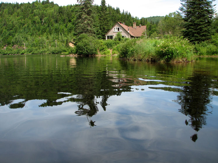 World Travel Photos :: Alec :: Quebec. Parc national de la Jacques-Cartier - a small pond