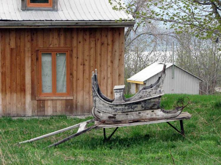 World Travel Photos :: Canada - Quebec - l´Ile-d´Orleans  :: Ile d´Orleans, Quebec - old sled