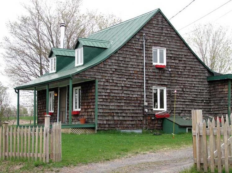 World Travel Photos :: Canada - Quebec - l´Ile-d´Orleans  :: Ile d´Orleans, Quebec - typical house