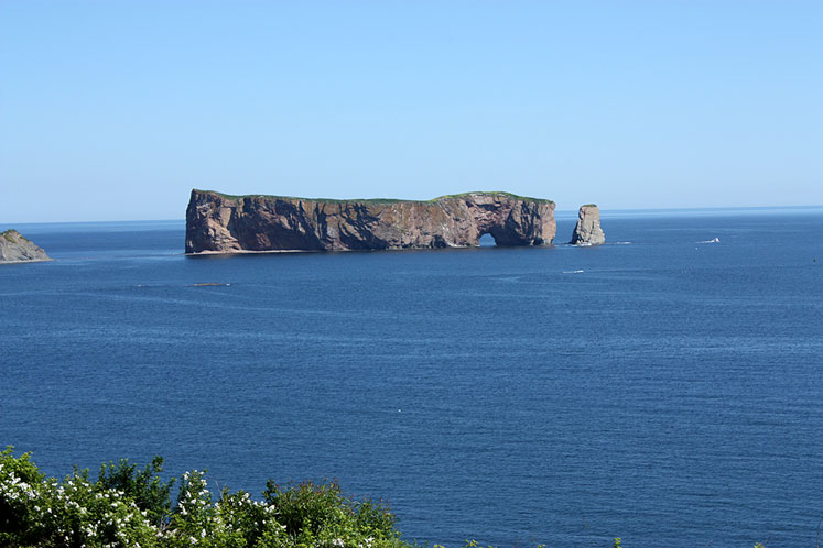 World Travel Photos :: Canada - Québec - Percé :: Quebec. A view on Percé Rock