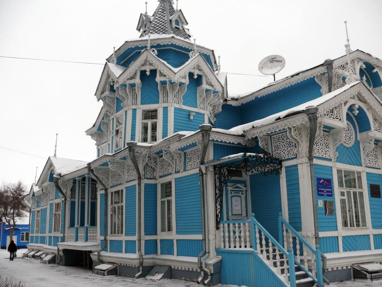 World Travel Photos :: Валентина :: Tomsk. Russian historic building built out of wood