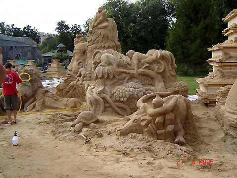 World Travel Photos :: Russia - Moscow :: Moscow Zoo - sand sculptures