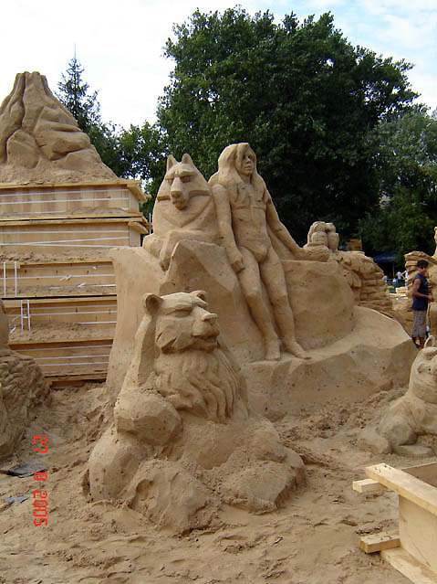 World Travel Photos :: Moscow Zoo :: Moscow Zoo - sand sculptures