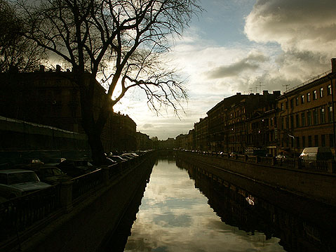 World Travel Photos :: Canals :: St. Petersburg. View on Griboyedov Canal from the Bank Bridge