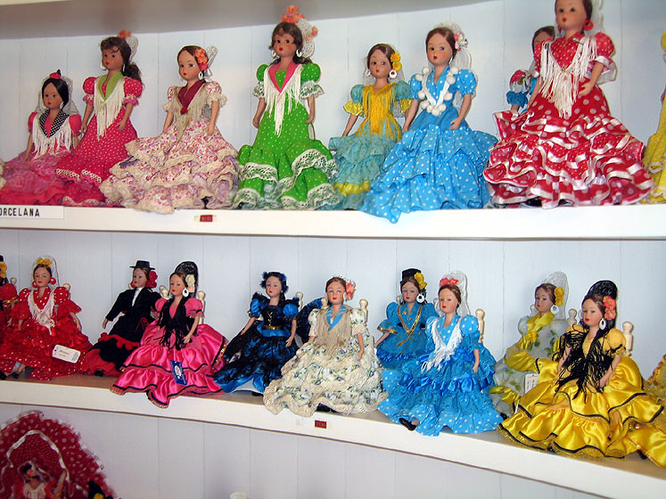 World Travel Photos :: Spain - Barcelona :: Barcelona. Dolls store