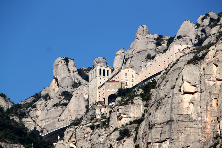 World Travel Photos :: Spain - Montserrat  :: Spain. Monserrat Monastery