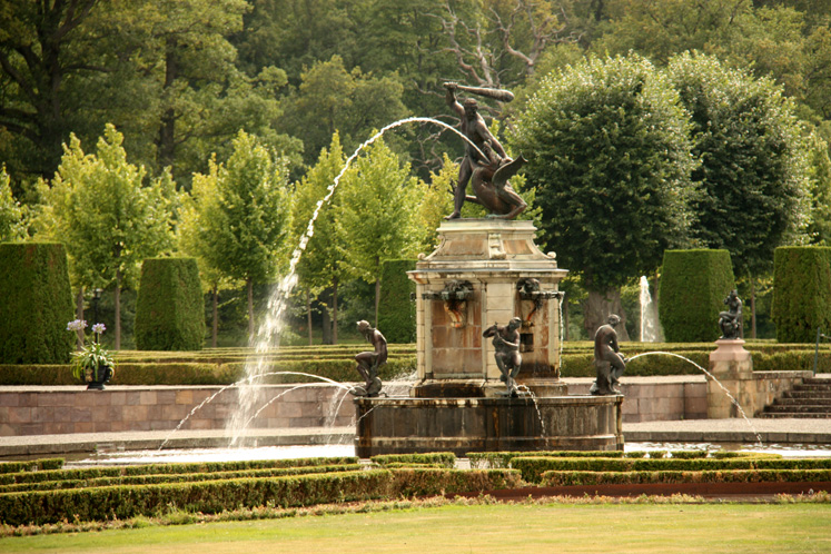 World Travel Photos :: Fountains :: A park surrounding Drottningholm Palace
