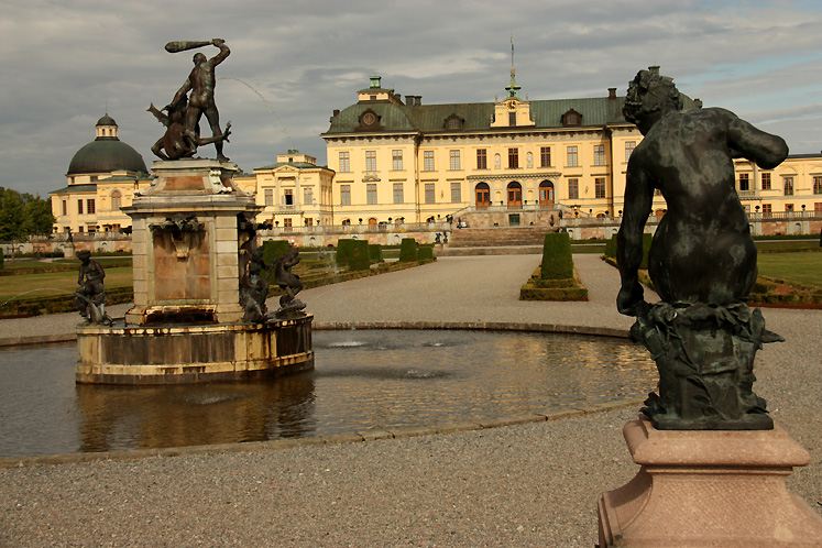 World Travel Photos :: Castles & palaces :: Drottningholm Palace - a view from the park at the back of the palace