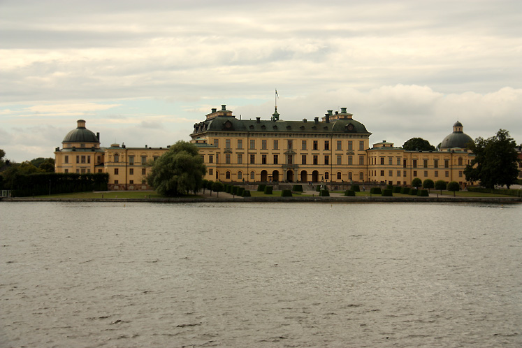 World Travel Photos :: Sweden - Drottningholm :: Stockholm - Drottningholm Palace - a view from the boat