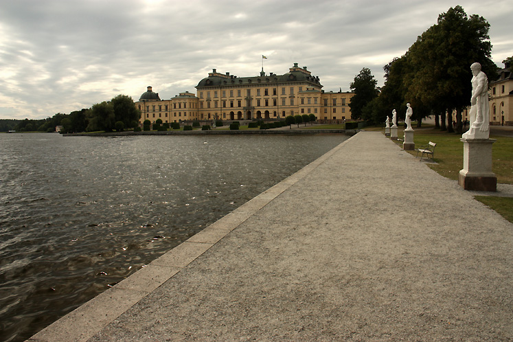 World Travel Photos :: Sweden - Drottningholm :: Stockholm - Drottningholm Palace - a view from the pier
