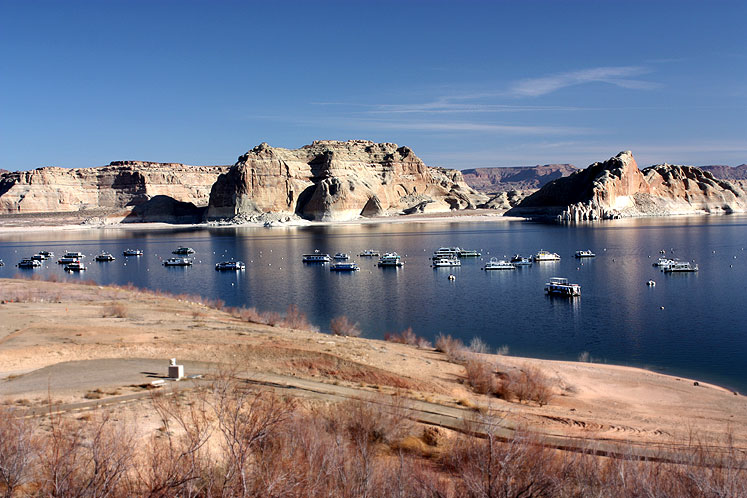 World Travel Photos :: Landscapes :: Arizona. A bright Spring day on Lake Powell