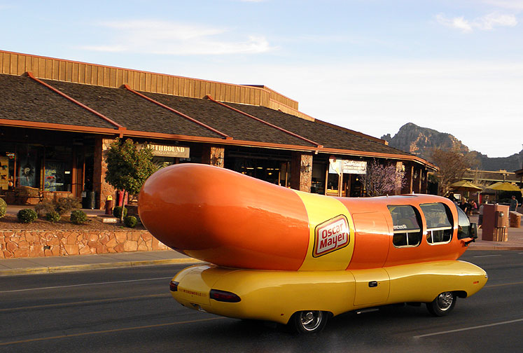 World Travel Photos :: USA - Arizona - Sedona :: Sedona - a hot dog car